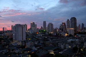 Bangkok_at_Night_-_from_the_Anatara_Sathorn
